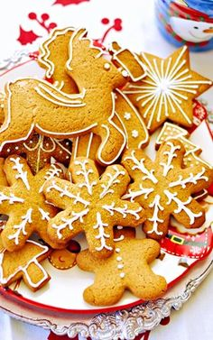 Pierniczki Świąteczne Christmas Sweets, Christmas Cooking, Christmas Decorations, Christmas Gifts, Snack Recipes, Snacks, Holidays And Events, Gingerbread Cookies, Allrecipes
