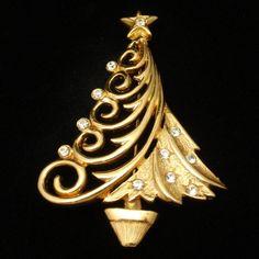 Christmas Tree Pin ~ JJ
