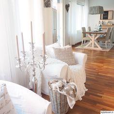 moderni,olohuone,keittiö,tyyny,rottinki