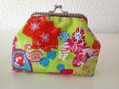 Simplesmente Ideias!...: Mais umas lindas carteiras da avó...              ...