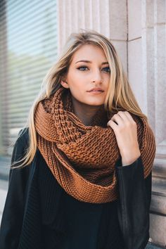 X-Large Chunky Knit Infinity Scarf in Camel