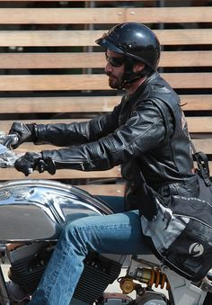 Keanu Reeves Takes A Ride On His Harley Davidson Motorcycle - repined by http://www.vikingbags.com/