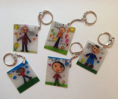 Father's Day Shrinkey dink plus key rings from dollar tree Fathers Day Art, Fathers Day Crafts, Diy For Kids, Crafts For Kids, Cadeau Parents, Mother's Day Activities, Diy Gifts For Dad, Daddy Day, Shrink Art