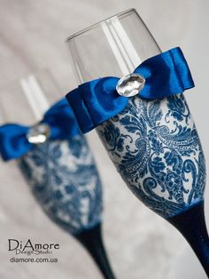 Personalized Wedding glasses from the collection DAMASK dark Blue wedding