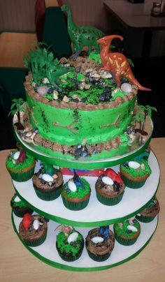 Dinosaur cake and cupcakes