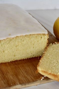 Lemon Ricotta Pound Cake with a simple lemon glaze. Moist and dense lemon pound cake is perfect for breakfast or a midday treat. #lemonricottacake #lemonpoundcake Bundt Cake Pan, Cake Pans, Bunt Cakes, Cupcake Cakes, Summer Squash Bread, Ricotta Pound Cake, Easter Brunch Menu, Brunch Food, Candied Lemon Peel