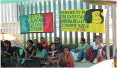 CNTE: Maestros toman cámara de diputados y bloquean carreteras, hasta que reforma sea derogada