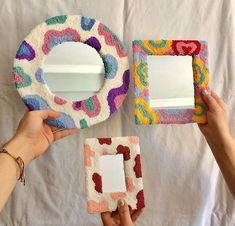 Yarn Crafts, Clay Crafts, Diy And Crafts, Arts And Crafts, Indie Room Decor, Aesthetic Room Decor, Funky Rugs, Punch Needle Patterns, Ideias Diy