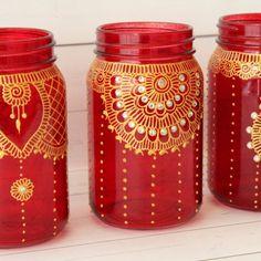 Red and Gold Moroccan Mason Jar Wedding Centerpieces Pot Mason, Mason Jar Crafts, Glass Bottle Crafts, Bottle Art, Wedding Centerpieces Mason Jars, Wedding Favors, Wedding Table, Glass Painting Designs, Jar Art