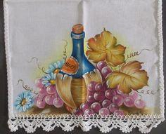 Pano de copa pintado em tecido especial de algodão, com acabamento em crochê na cor branca <br>MEDIDAS: <br>Altura: 70 cm <br>Largura: 35,5 cm <br>Bico de crochê: 3,5 cm <br>COMPRIMENTO TOTAL: 73,5 CM <br>ACEITAMOS ENCOMENDAS A PARTIR DE 03 PAGANDO FRETE APENAS DE UMA PEÇA. <br>ENVIAMOS PARA TODO BRASIL <br> <br>ATENÇÃO: OS PEDIDOS FICAM EM ABERTO AGUARDANDO CONFIRMAÇÃO DE PAGAMENTO POR UM PERÍODO DE ATÉ 03 DIAS CORRIDOS. APÓS ESTE PRAZO SERÃO CANCELADOS.