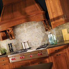 Shown with the Homestead door style (Inset styling with non-beaded frame), in Quarter Sawn Red Oak with Mission finish. Quarter Sawn Red Oak features a straight grain pattern and an intriguing grain fleck. Find a dealer near you today: http://www.durasupreme.com/dealer-locatorCraftsman Style Kitchen Cabinets Design, Pictures, Remodel, Decor and Ideas - page 8
