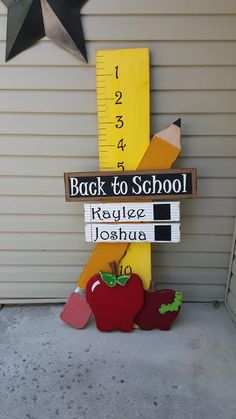 Back to school standing display by VirginWoodCreations on Etsy Back To School Party, 1st Day Of School, Back To School Gifts, School Parties, Back To School Pictures, School Photos, School Donations, Back To School Displays, Art Room Doors