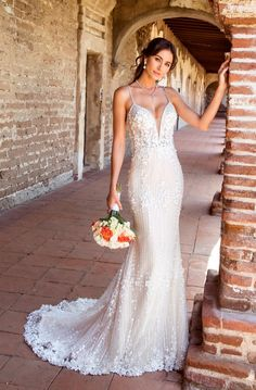 Amazing Embroidered Backless Slip Trumpet Wedding Dress / Bridal Gown with Train 2019 by Kitty Chen Couture Top Wedding Dresses, Amazing Wedding Dress, Elegant Wedding Dress, Bridal Dresses, Wedding Gowns, Wedding Outfits, Wedding Themes, Lace Wedding, Wedding Ideas
