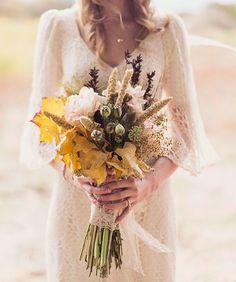 Natural, rustic, neutral autumn bouquet