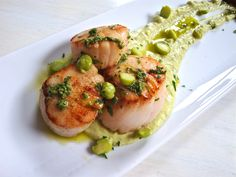 Seared Scallops with Fresh-Picked Chickpea Hummus, Thumbelina Carrots, and Mint and Carrot Green Pesto | Further Food