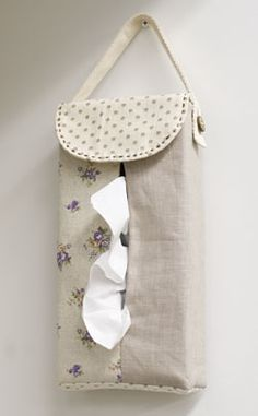 Hanging tissue box cover [Use] Fabric Boyle a washer / Ivory → 38.5cm × 14cm cotton linen. dots Canvas / Purple → 27cm × 19.5cm floral cotton linen. Natural → 27cm × 72.5cm plain. linen [Others] ★ this blend tape → 60cm × 1 ★ coconut button (φ15mm) → 1 co- ★ Embroidery Thread (Brown)