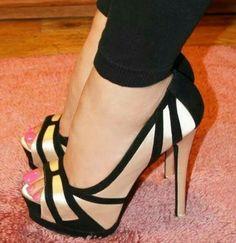 Zapatos on FLEEK! #LoveIt #FashionKilla #ShoeLover #OhHerShoes #Stylish