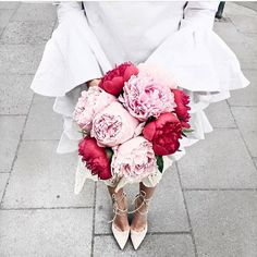 Calling all brides-to-be 👰Starting next week until October plan your destination wedding at Sunwing inside CONCEPT every Wednesday from  Megan Hess Illustration, Sleeve Gastrectomy, Instagram Influencer, Flower Market, Time To Celebrate, Going To The Gym, Peonies, Beautiful Flowers, Destination Wedding