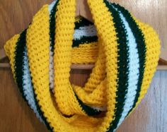 Green Bay Packers Infinity Scarf Crocheted Yellow Green White Crochet Quilt, Crochet Cross, Crochet Yarn, Free Crochet, Crochet Scarves, Crochet Clothes, Green Bay, Knitting Projects, Crochet Projects