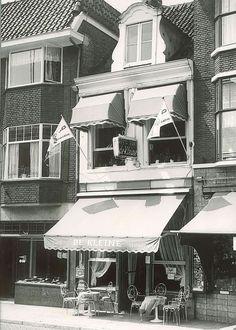 Cafe de Kleine, al sinds 1935 een goed adres in de Luttekestraat voor een glaasje en een klein hapje