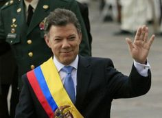 Columbian President, Juan Manuel Santos, showing the Miriam's Hand Kabbalah/Illuminati hand sign.