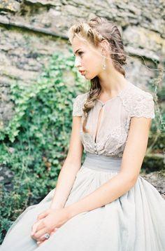 25 Best Wedding Dresses for a Fine Art Bride