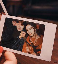 Kpop Couples, Rose Park, Jung Jaehyun, Jaehyun Nct, Ulzzang Couple, Park Chaeyoung, N Girls, Reaction Pictures, Kpop Girl Groups
