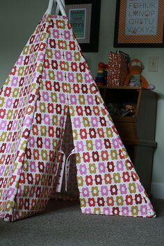 terrific teepee - based on the pattern http://www.sewbaby.com/shopbaby/product_info.php?products_id=4024 looks really great - but why it's 10$?