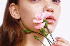 W jakie polskie marki kosmetyczne warto zainwestować? Stud Earrings, Lunch, Stud Earring, Eat Lunch, Lunches, Earring Studs