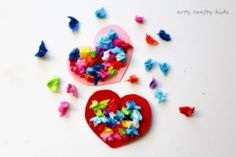 Arty Crafty Kids | Valentines | Craft Ideas fore Kids | Toddler Valentines Heart Bouquet | The perfect Valentines craft for toddlers and preschoolers!