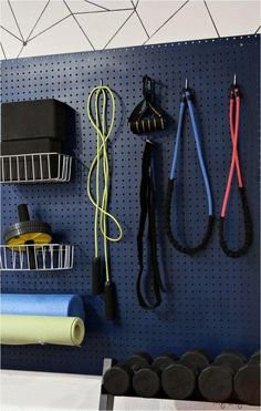 Home Gym Basement, Diy Home Gym, Gym Room At Home, Home Gym Decor, Best Home Gym, Basement Ideas, Garage Gym, Garage House, Diy House Projects