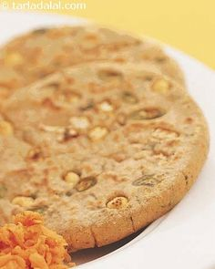 A variety of vegetables add flavour and colour to these rotis. Do not sieve the wheat flour to avoid losing fibre.