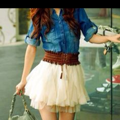 Such a cute outfit! Would be sooo cute with some cowgirl boots!!