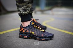 Best Nike Running Shoes, Nike Free Shoes, Nike Shoes, Nike Sneakers, Nike Air Max Plus, Air Max 95, Foot Locker, Discount Mens Shoes, Nike Factory Outlet