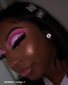 Pink cut crease eyeshadow w/ beaming highlight Pink cut crease eyeshadow w/ beaming highlight Purple Makeup Looks, Glitter Makeup Looks, Pink Eyeshadow Look, Purple Eye Makeup, Makeup Eye Looks, Dark Skin Makeup, Eyeshadow Makeup, Eyebrow Makeup, Black Girl Makeup Natural