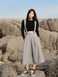 "koreanmodel: ""Sim So Young d'Ahn Hong Je"" - Fashion moda Fashion Mode, Korea Fashion, Asian Fashion, Look Fashion, Trendy Fashion, Girl Fashion, Fashion Design, Young Fashion, Ulzzang Fashion"