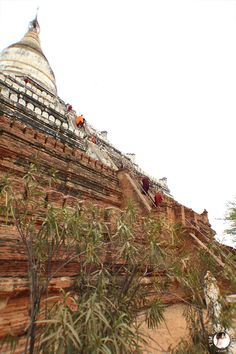 theglobalgirl-the-global-bagan-shwe-sandaw-paya-pagoda-temple-myanmar-burma-monks-travel-southeast-asia-sacred-site-spiritual-00