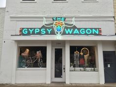 A few months ago I was asked to create a new logo for The Gypsy Wagon. The client sent me some photos today of their Austin storefront that now has the logo as a 16' neon sign hanging out front, cr...