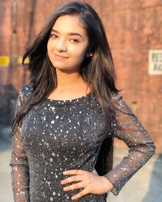 Anushka Sen Hot Photos And Images For Mobile Stylish Girls Photos, Stylish Girl Pic, Child Actresses, Indian Actresses, Child Actors, Beautiful Indian Actress, Beautiful Actresses, Photos Of Priyanka Chopra, Selena Gomez