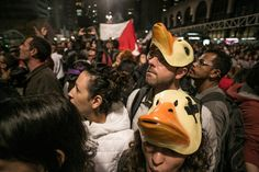 2016年9月、ブラジルで若い社会活動家21人が警察に拘束された。彼らはミシェル・テメル大統領代行(当時)に対する抗議活動を計画していたが、活動家グループの内部にブラジル軍の幹部が一人で潜入しており、計画が筒抜けになっていたのだ。その幹部はFacebookやInstagram、そして出会い系アプリT...