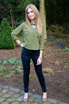 Polished Cats: Outfit: Cropped Blouse & Floral