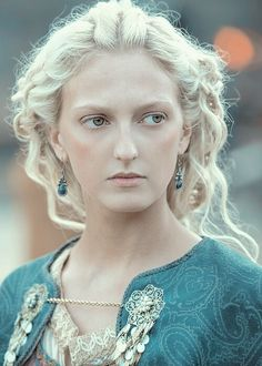 Georgia Hirst as Torvi  -  She is also Michael Hirst (the writer for Vikings)  daughter.