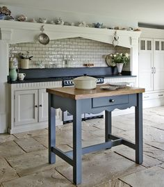 Bespoke Kitchens in London, Sussex and the South East - Middleton Bespoke Kitchen Island Furniture, Cottage Kitchens, Country Kitchens, Farmhouse Kitchens, Farmhouse Decor, English Kitchens, Bespoke Kitchens, Interior Design Inspiration, Kitchen Inspiration