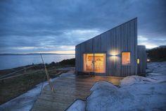 Gallery: A modern coastal cabin in Norway Cabin Design, Cottage Design, House Design, Scandinavian Cabin, Minimalist Scandinavian, 3d Home, A Frame Cabin, Modern Coastal, Cabins In The Woods