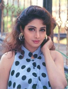 sridevi from gurudev Beautiful Bollywood Actress, Most Beautiful Indian Actress, Beautiful Actresses, Bollywood Makeup, Bollywood Couples, Bollywood Stars, Actress Priyanka, Vintage Bollywood, Indian Celebrities