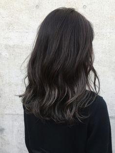 大人かわいい黒髪ハイライトカラーエメラルドグレーパール - 24時間いつでもWEB予約OK!ヘアスタイル10万点以上掲載!お気に入りの髪型、人気のヘアスタイルを探すならKirei Style[キレイスタイル]で。