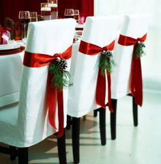easy holiday chair sash - love this.  Love the red & green on the white.  Simple elegance.