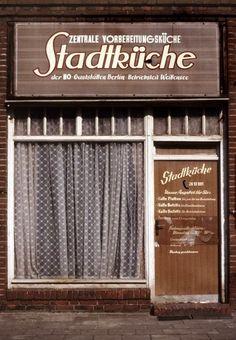 Dietmar Riemann's photographs of Berlin 1985-89.
