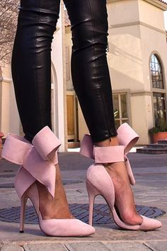 Pale pink bow shoes