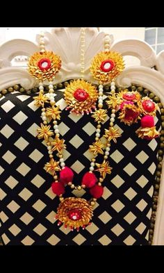 Gota Patti Jewellery, Thread Jewellery, Tassel Jewelry, Jewelry Art, Wedding Jewelry, Terracotta Jewellery, Flower Hair Accessories, Bridal Flowers, Flower Decorations